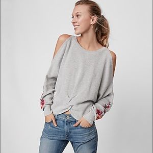 NWT cold shoulder, twist front Express sweater